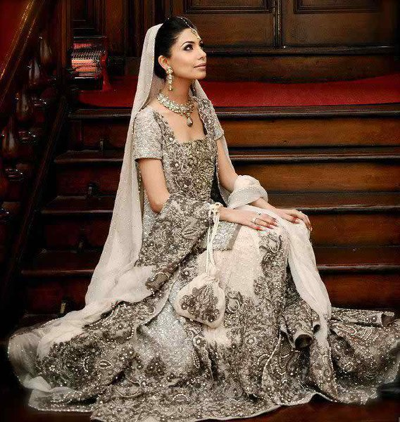 Latest-Indian-And-Pakistani-Wedding-Dresses-Trends-2015-008