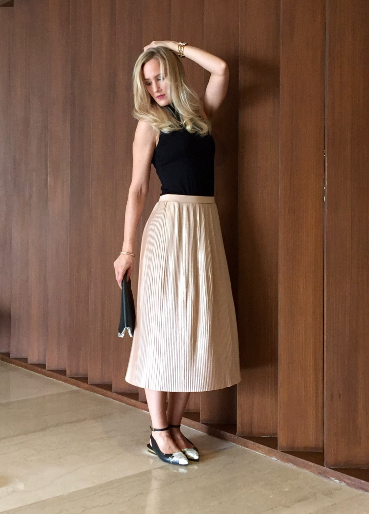 Mango skirt, H&M top, Karen Millen clutch, Charles & Keith shoes