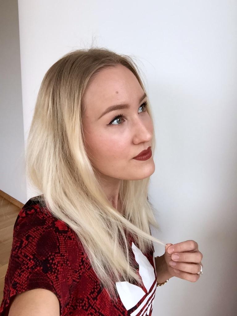 Blonde Boudoir before photo1