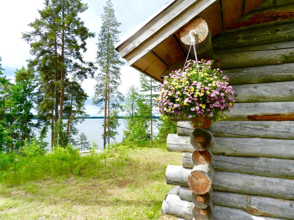 The Finnish midsummer blogger Findianlife