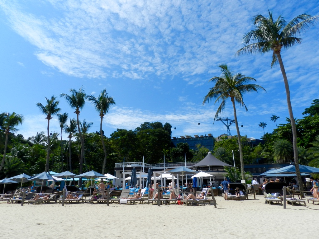 Sentosa beach by blogger Findianlife Singapore