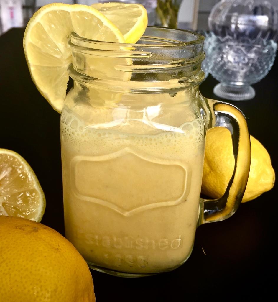 Lemon Collagen Vitamin breakfast smoothie