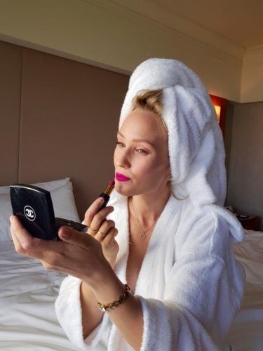 K.Godfroy Cosmetics Deluxe Matte Lipstick Glamourai hot pink